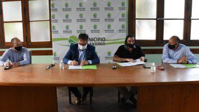 Photo of CASADEI FIRMO EL CONTRATO PARA LA ELABORACIÓN DEL PROYECTO DEL NUEVO MATADERO